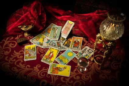 Esoterik Themen: Kartenlegen mit Tarotkarten